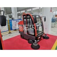 山东腾阳环卫TY-1900型电动驾驶式扫地车
